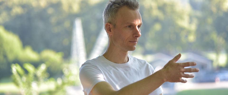 Qigong fließend - Dominik Rollenhagen